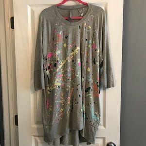 Melissa McCarthy paint spatter shirt